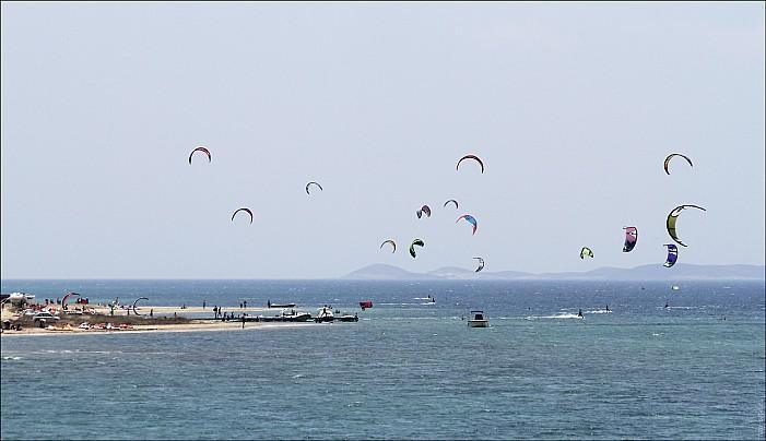 Greece-Kite_02_MG_5915-abc.jpg: 1280x738, 252k (2013-07-28, 13:55)
