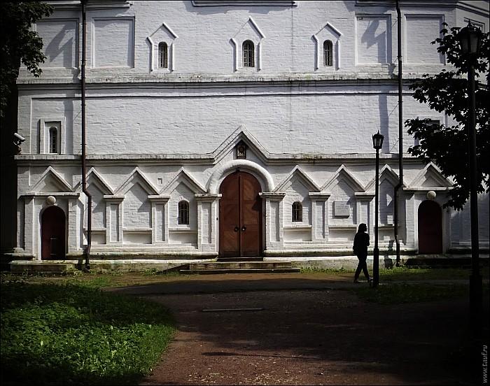 2020-07-30-Kolomenskoe-July-11-7300844-abc.jpg: 1522x1200, 580k (2020-08-15, 12:51)