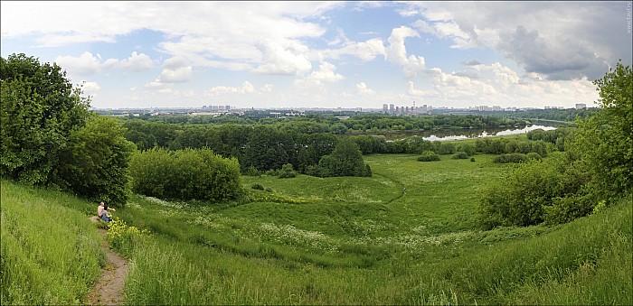 2020-06-07-Kolomenskoe-06-abc.jpg: 1900x920, 685k (2020-06-07, 19:51)