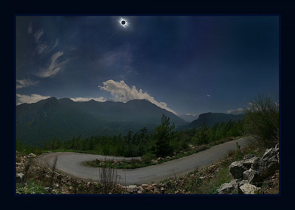 Eclipse_4_P1.jpg: 1000x712, 124k (2012-02-20, 17:37)